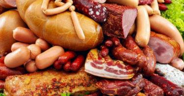 Переработанное мясо повышает риск заработать онкологию