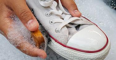 Почистить обувь, грязная обувь, сода, средства для чистки обуви, в домашних условиях