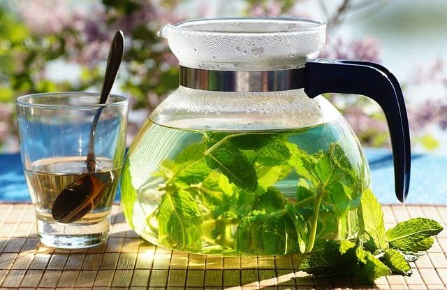 Мятный чай успокаивает и расслабляет